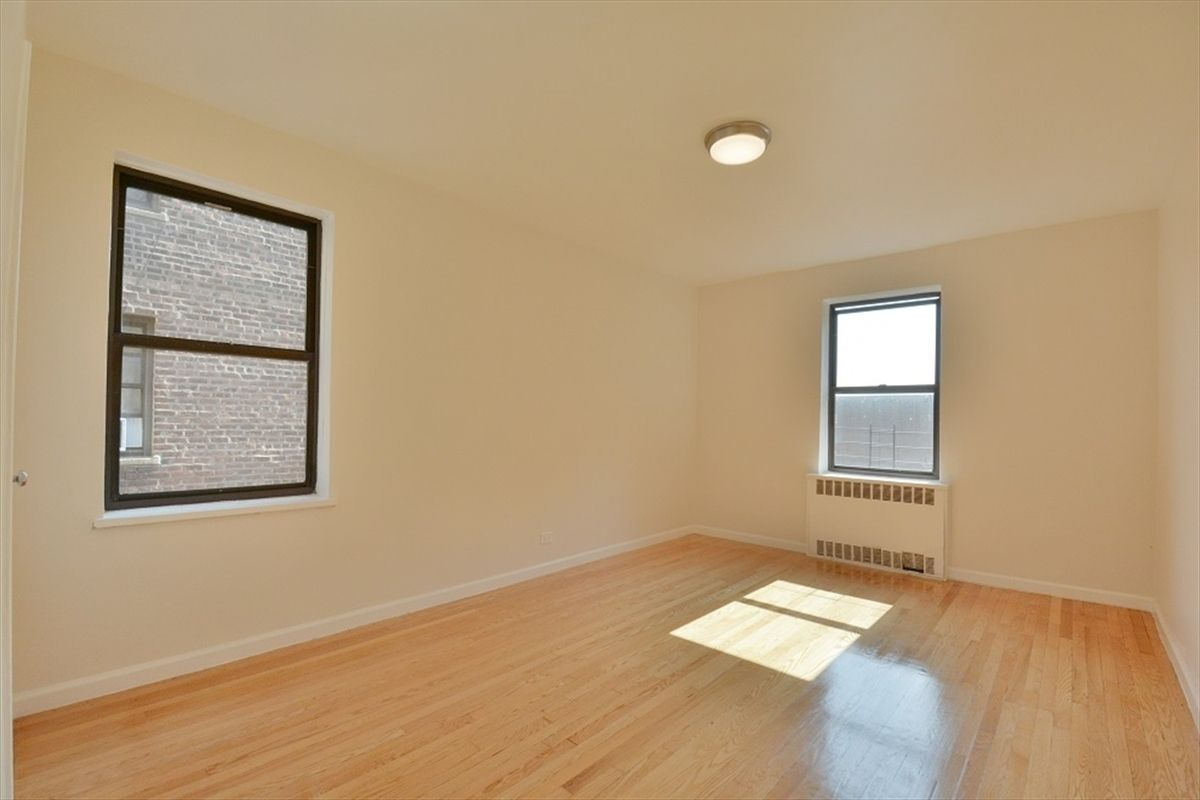 A One Bedroom Near Yankee Stadium That Would Appeal To A