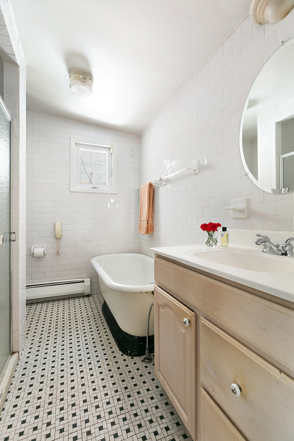 Like a house with some history? This Soho townhouse is one of the ...