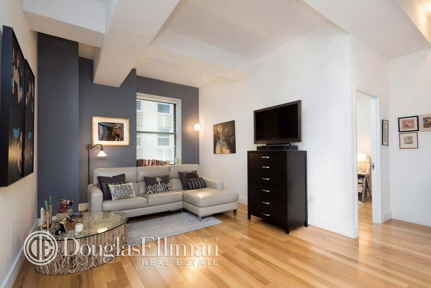Financial District One Bedroom Bathroom Condo 945000 Located At 99 John Street Between Gold And Cliff Streets An Art Deco Conversion Building