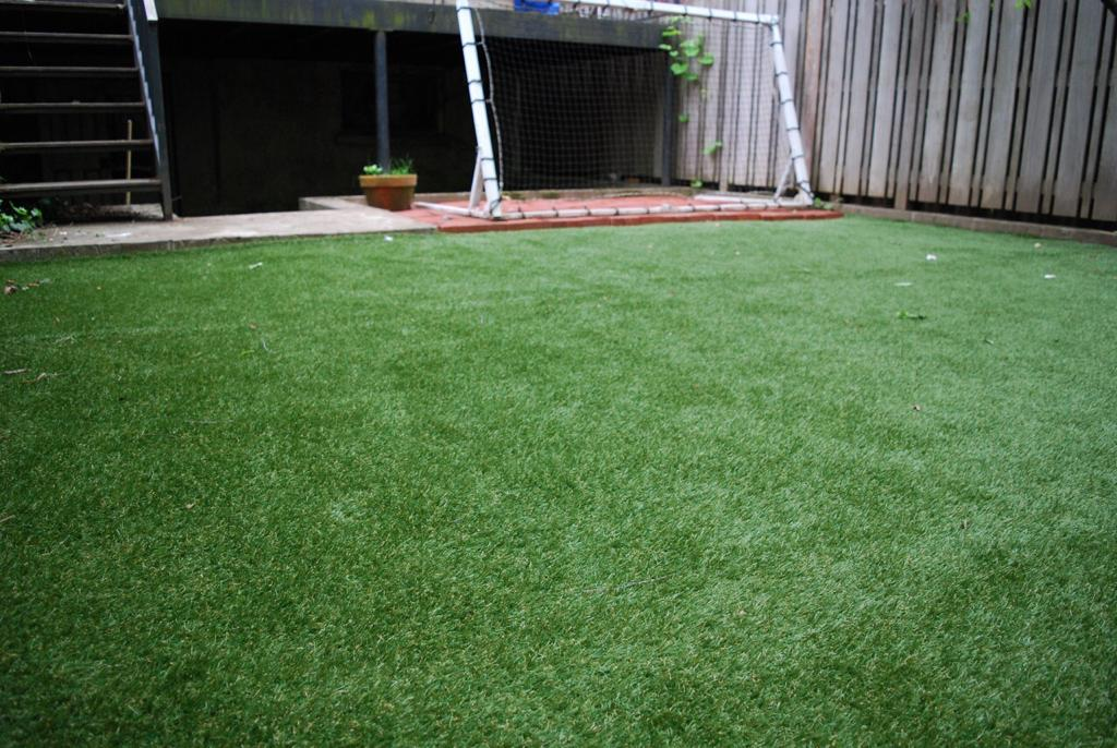 Don T Rule Out Diy Fake Turf To Transform Your Yard Even If You Re A Nyc Renter