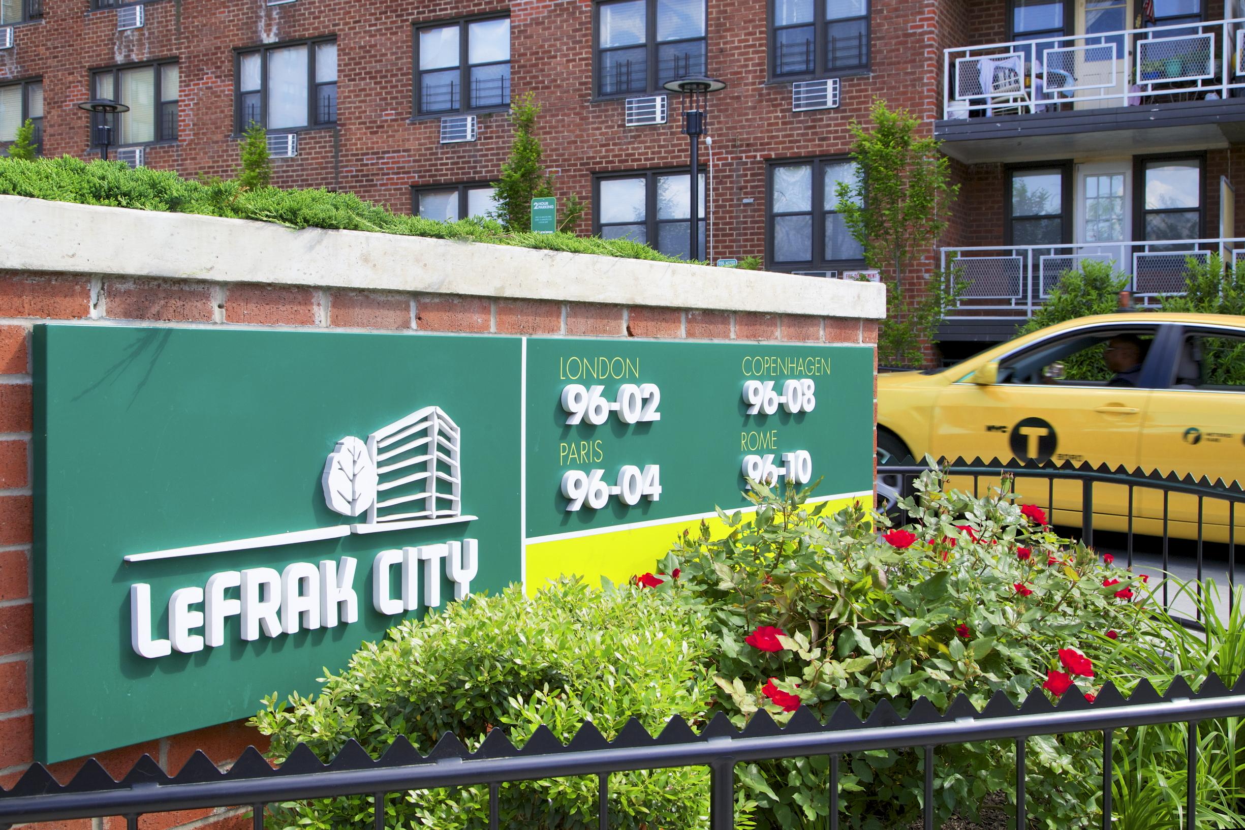 Inside Lefrak City A Mega Rental Community In Queens With