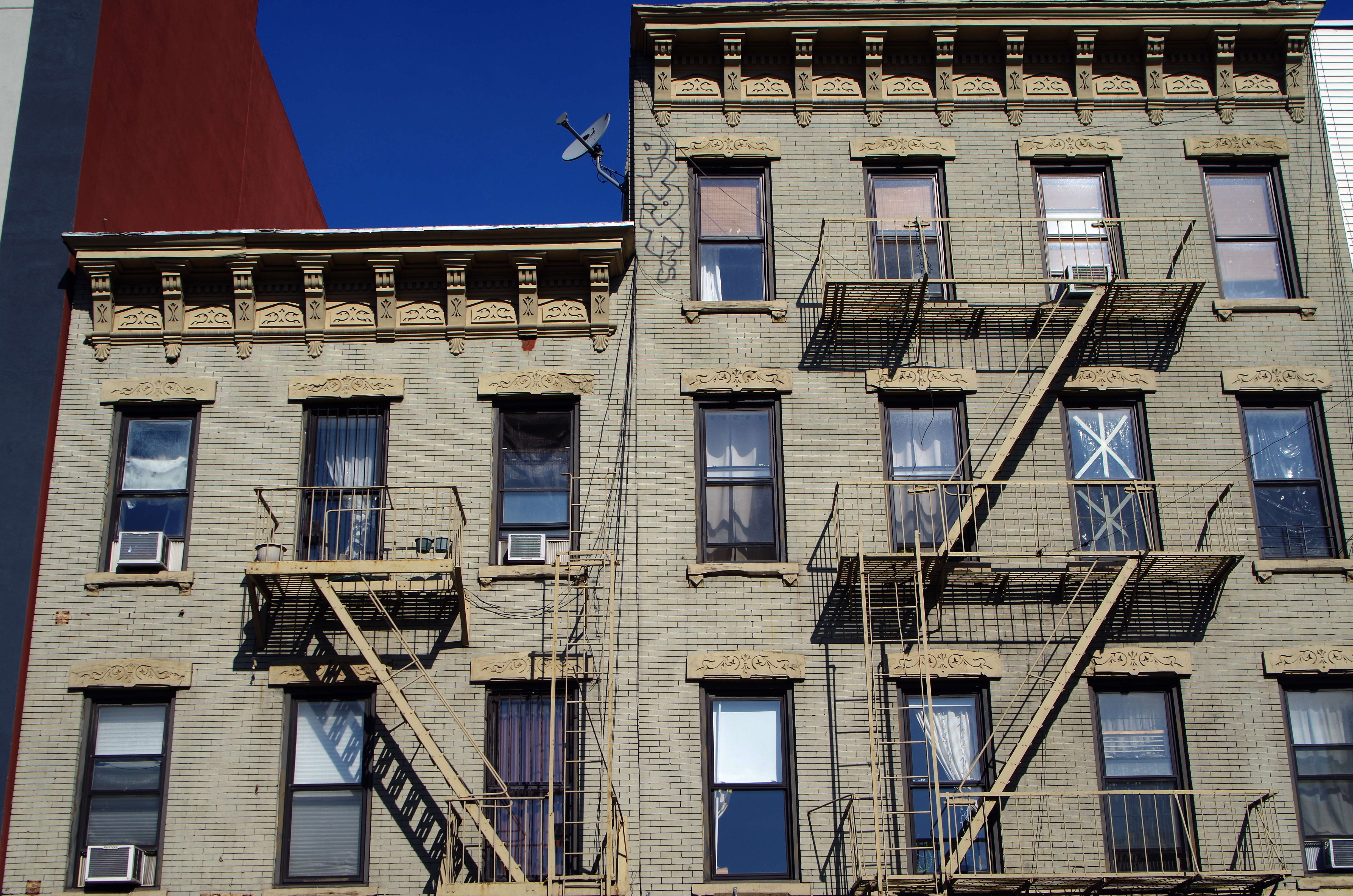 Nyc Apartment Buildings That Are Like College Dorms