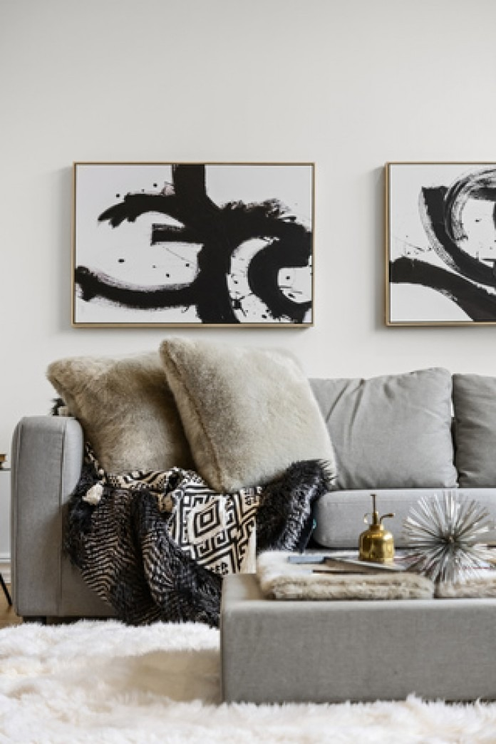How Come Black And White Abstract Paintings Are In So Many Nyc Apartment Listings