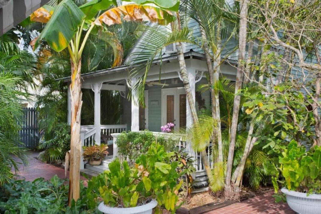 Incredible 5 Homes For Sale In Key West Far From The Cold And Snow Interior Design Ideas Tzicisoteloinfo