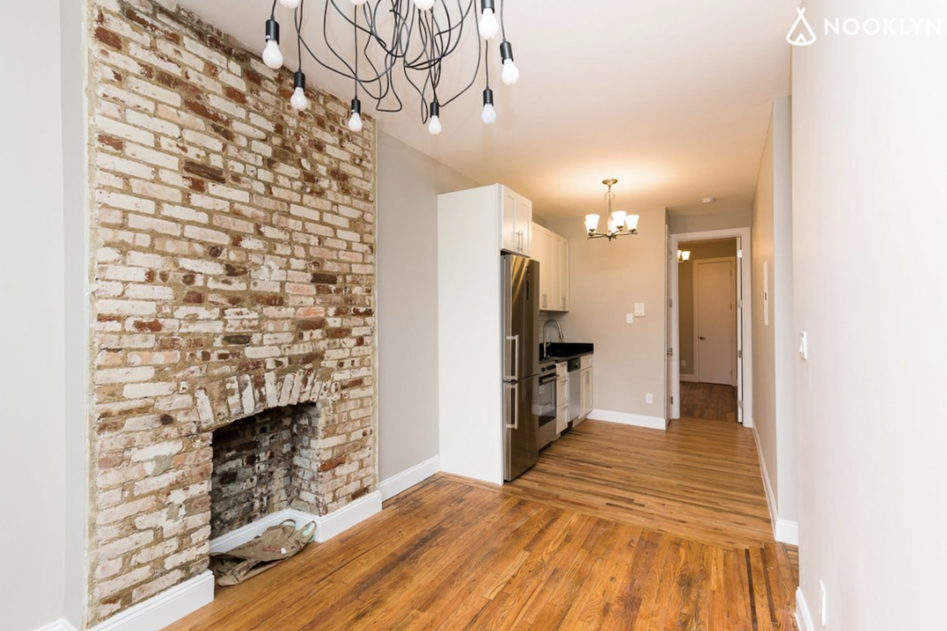 A Crown Heights One Bedroom That S Near Restaurants And