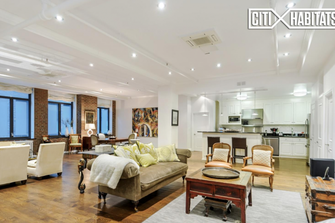 There S Plenty Of Room To Spread Out In This 3 000 Square Foot Chelsea Loft