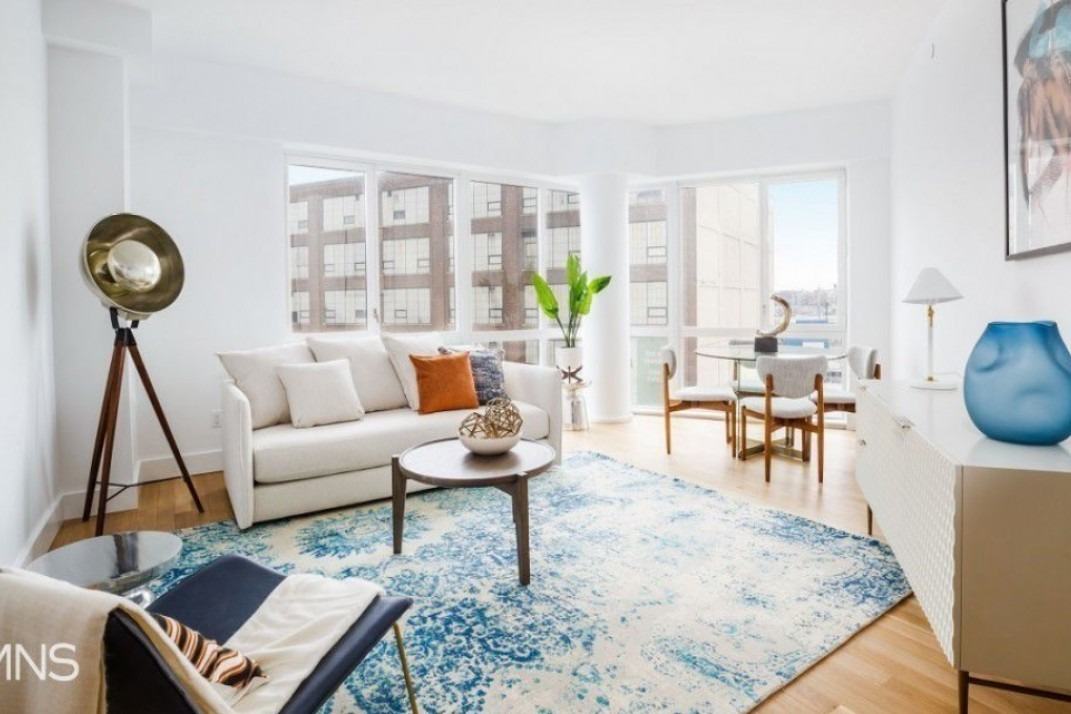 5 Two Bedrooms With Floor To Ceiling Windows And Great Views For