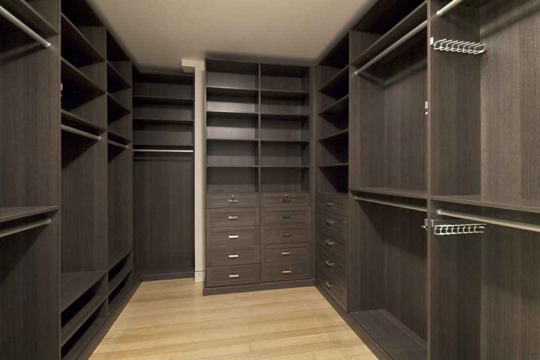 5 Custom Walk In Closets The Size Of A Respectable Studio Apartment