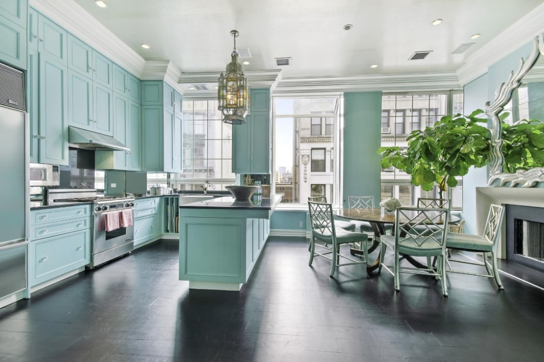 Six Oversized Eat In Kitchens That Make A Dining Room