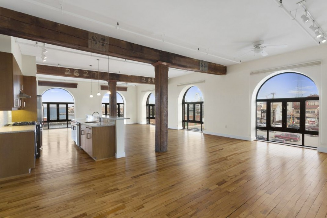 Attention shoppers: This loft above the Fairway in Red Hook ...