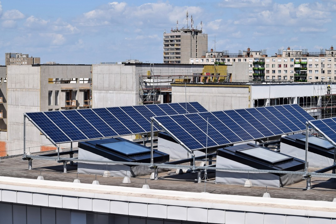 Could solar water heating work in NYC apartment buildings?