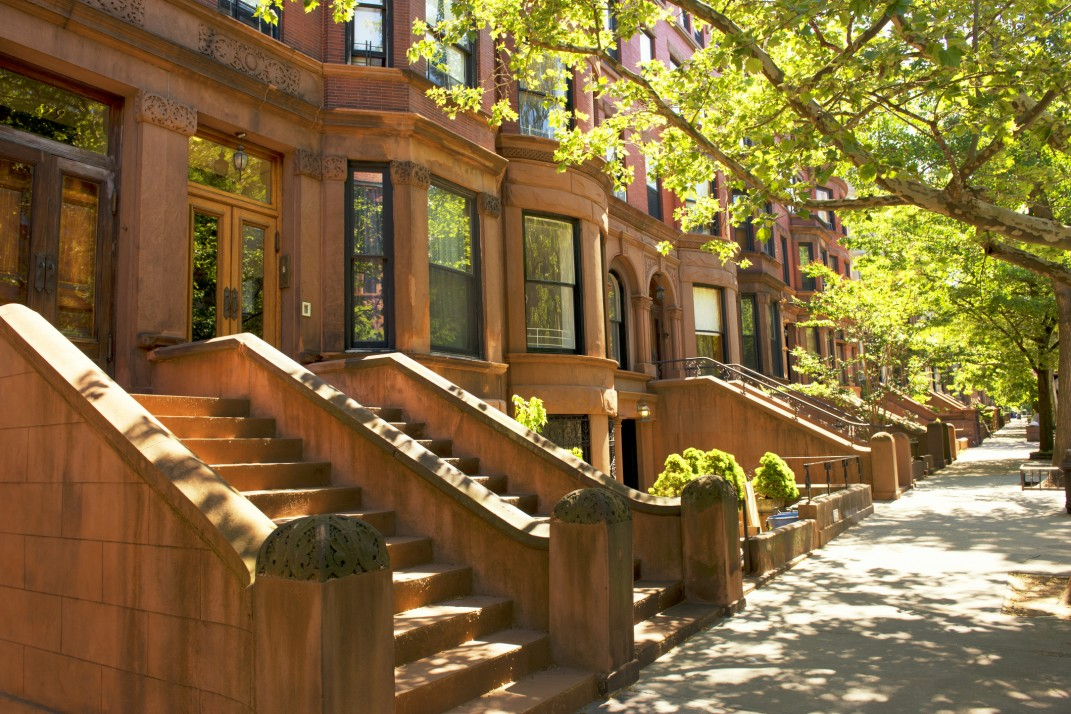 7 facts you probably don t know about nyc s beloved brownstones rh brickunderground com Brownstone Color Teal Brownstone Color 501