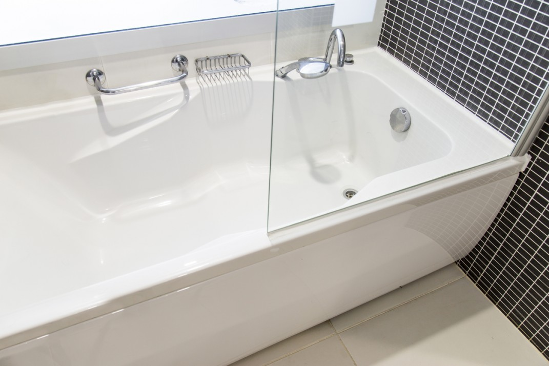 Is my landlord obligated to replace my bathtub with something safer?