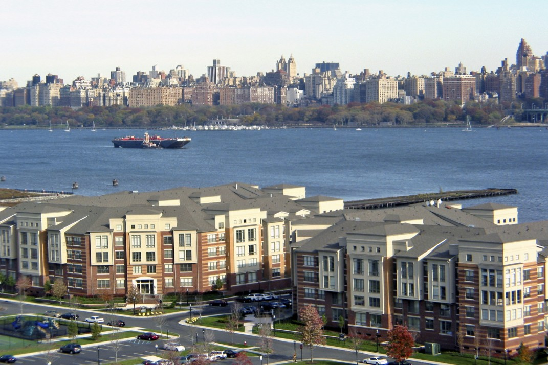 Weehawken New Jersey A Quiet Residential Town That S Just Over The River