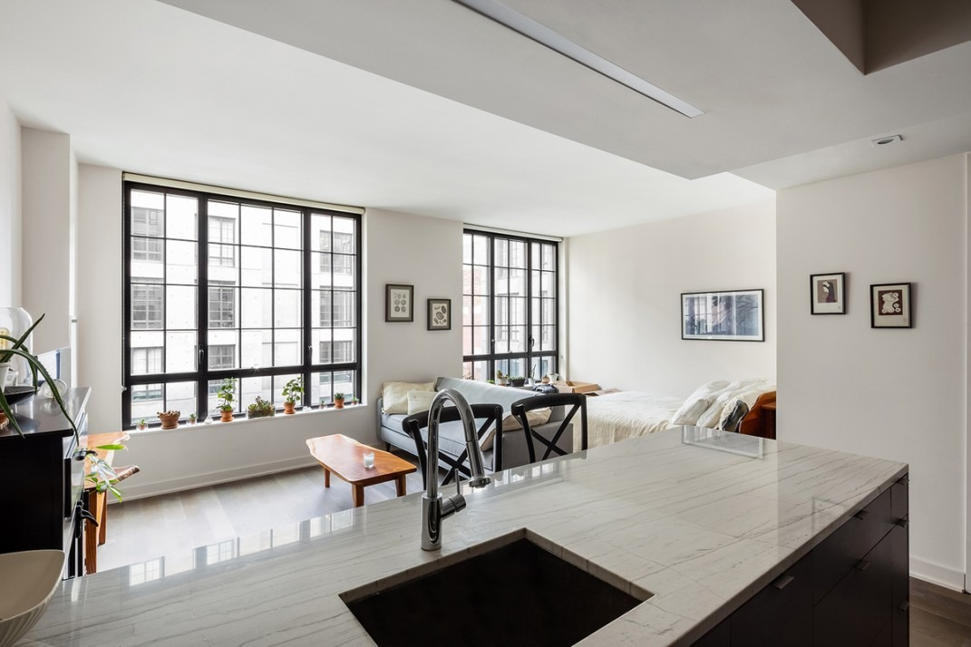 Considering A Nyc Studio Apartment Here S How To Maximize Your Layout