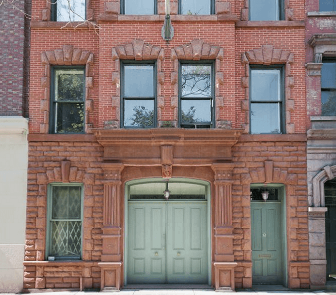 How Is A Carriage House Different From A Regular Townhouse?