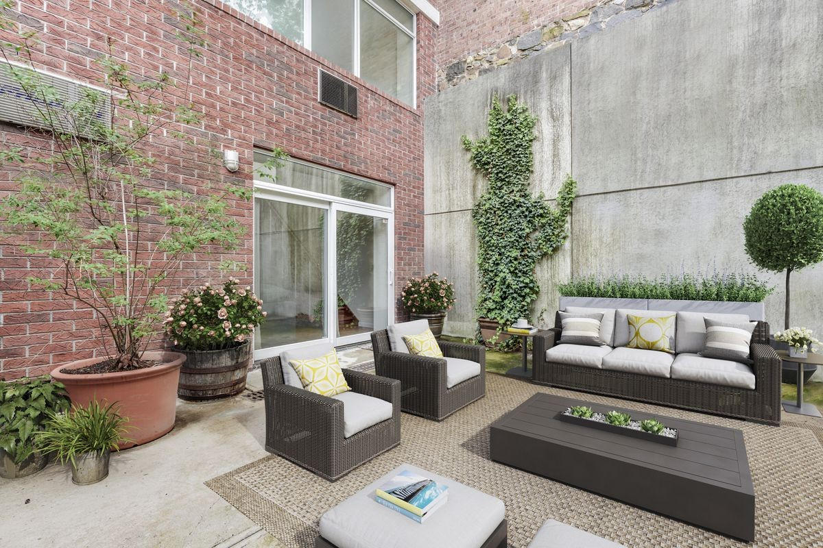 The Private Patio Is More Than 300 Square Feet In Size, And Is Accessed  Through The Living Room On The Lower Level. Thereu0027s Also A Shared Rooftop  Deck.