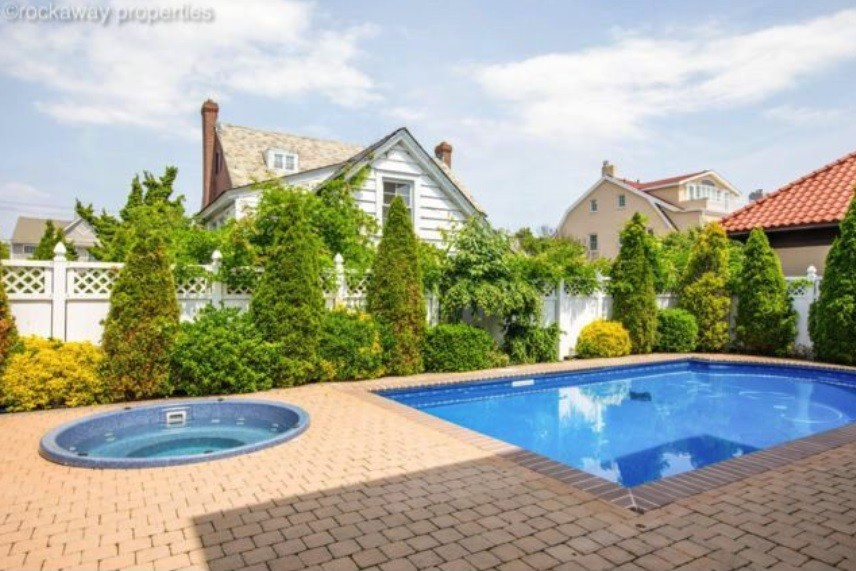 What to know if you want to buy a NYC house with a pool (and ...