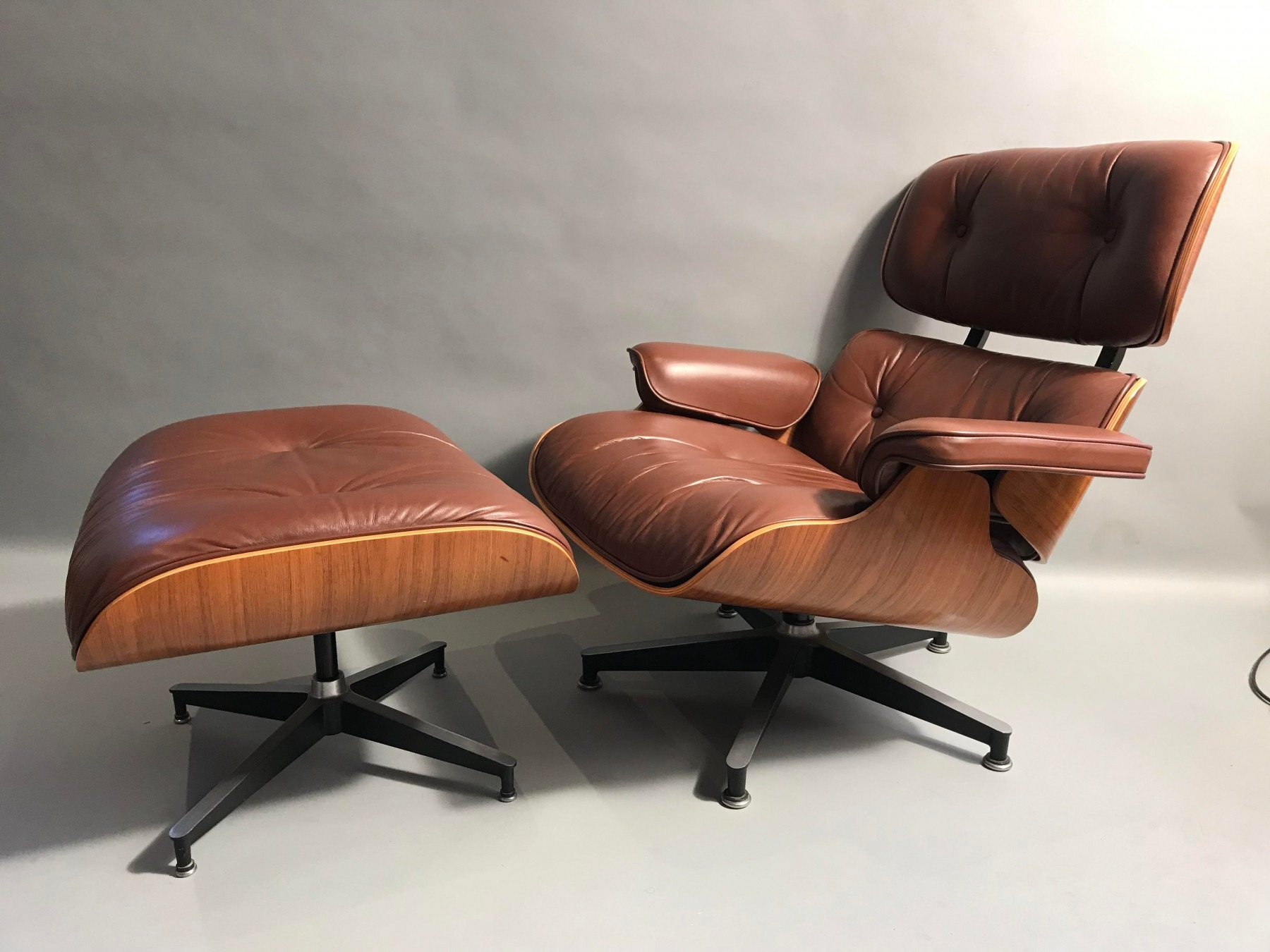 Fabulous The Best Online Sites To Buy Gently Used Designer Furniture Pdpeps Interior Chair Design Pdpepsorg