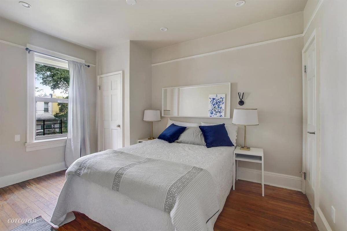 A Bay Ridge Updated Four Bedroom With A Yard And Finished
