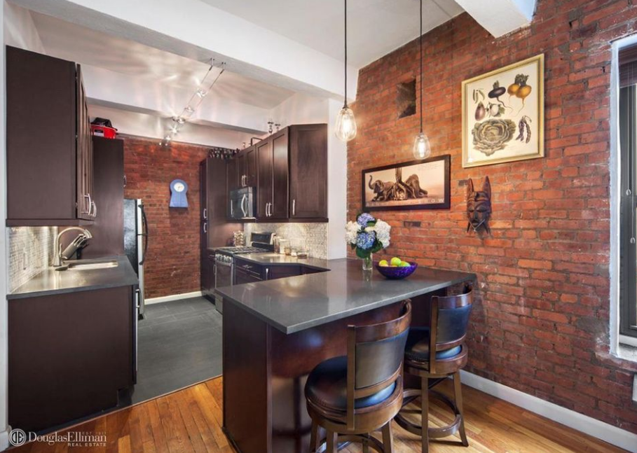 Meal time made easier: 5 NYC apartments and houses with breakfast bars