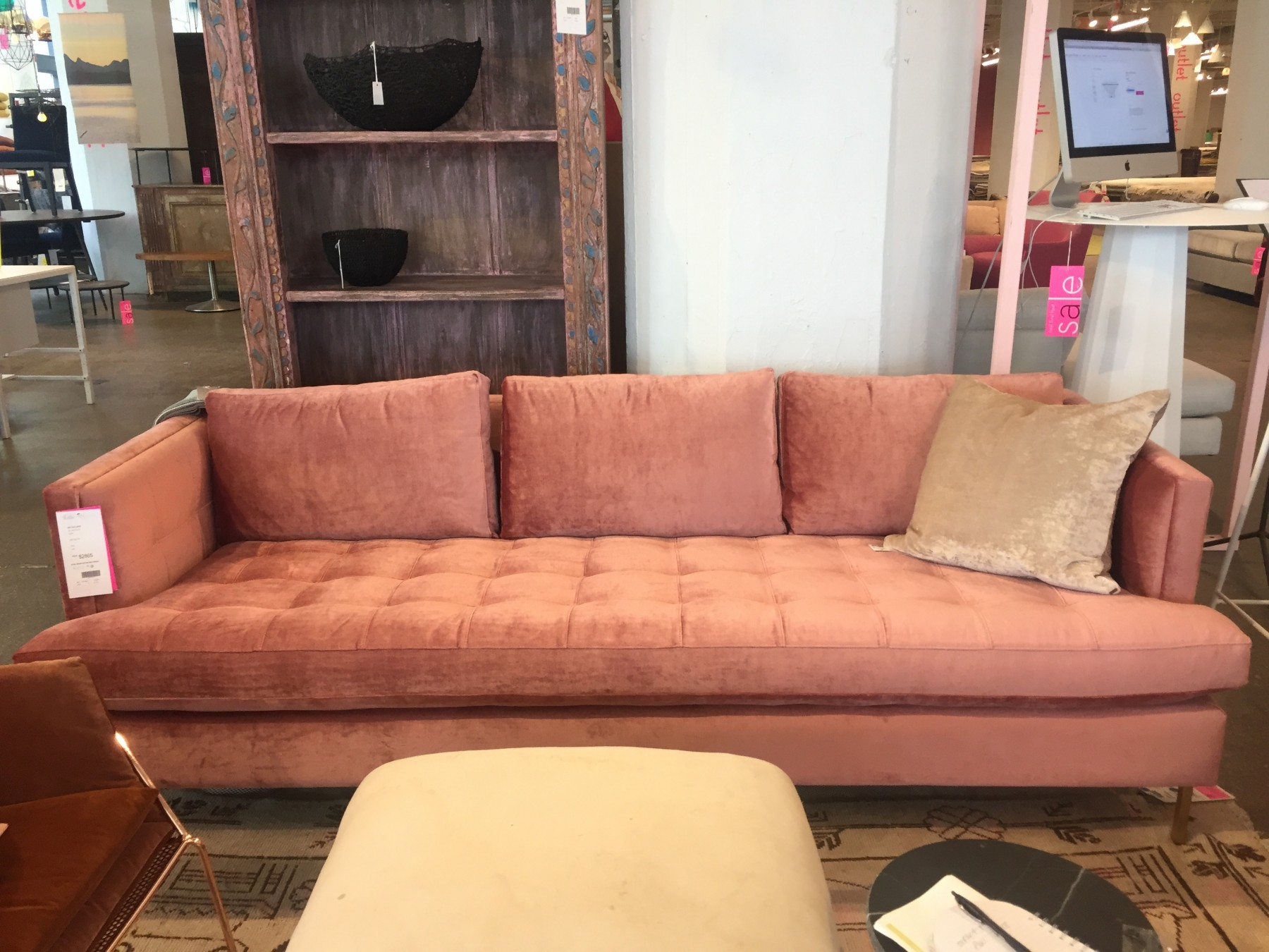 Stupendous We Shopped Industry Citys High End Furniture Outlets With Beatyapartments Chair Design Images Beatyapartmentscom